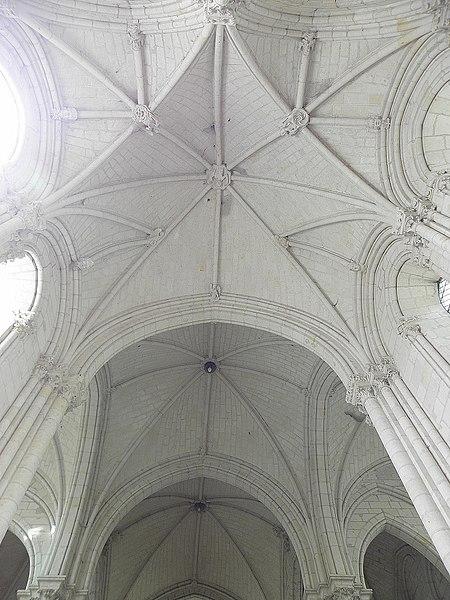 Voûtes du chœur de la collégiale du Puy-Notre-Dame (49).