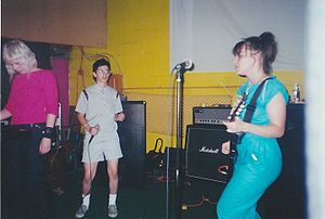 Le Tigre - Le Tigre performing in Indianapolis, Indiana, in the early 2000s.