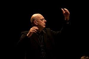Leon Botstein - Image: Leon Botstein conducting