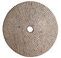 Ligger van een roterende maalsteen in fonotefriet, 150 tot 250 NC, vindplaats- Donk, Winningweg, 1980, waterput O, collectie Gallo-Romeins Museum Tongeren, 80.DO.449.4.jpg