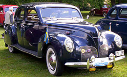 Lincoln Zephyr V12 4-D Sedan 1938 3.jpg