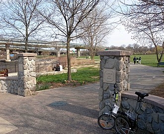Brooklyn–Queens Greenway - North end