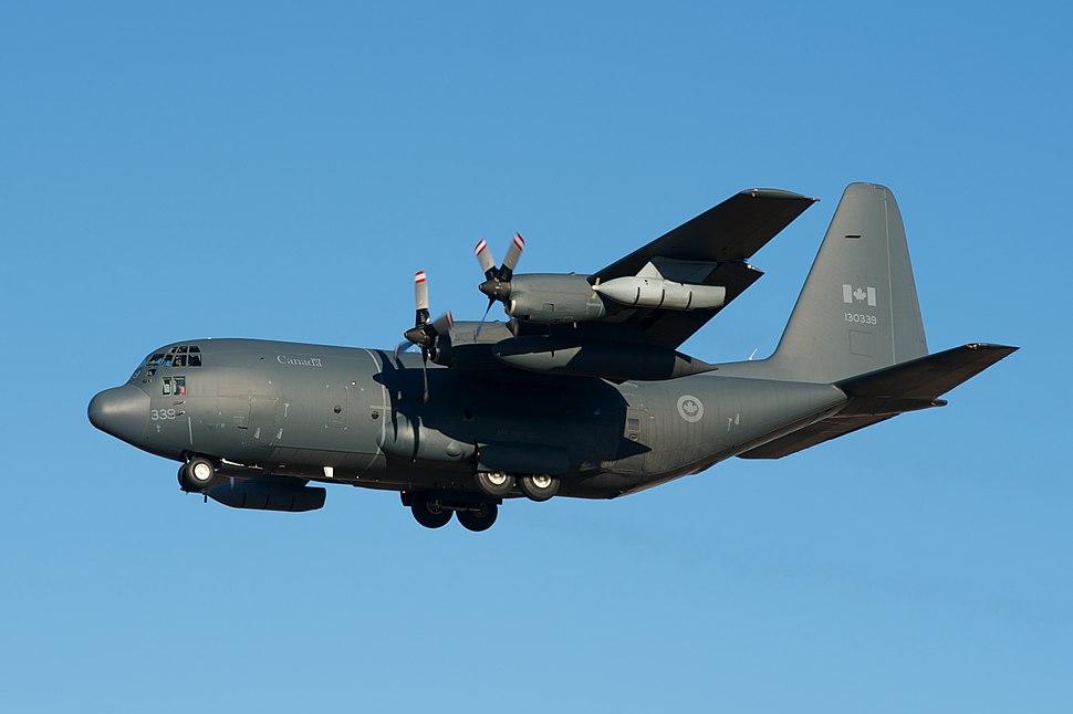 Lockheed CC-130H Hercules (8111583732) (2)