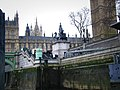 Looking towards the Houses of Parliament from Westminster Pier - geograph.org.uk - 1066036.jpg
