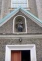Lubawka, kościół pw. Wniebowzięcia NMP, figurka św. Jana Nepomucena nad bocznym wejściem PICT9376.JPG