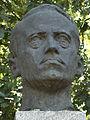 Lyudmil-Stoyanov-monument-left.jpg