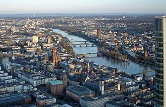 Altstadt (Frankfurt am Main) - Image: Main vom maintower ffm 001