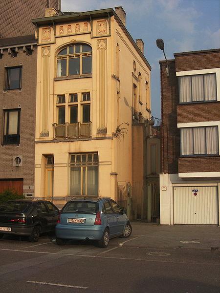 Charleroi (Belgique) - Maison La Fleur située boulevard Solvay, 7. Style Sécession viennoise - Construite en 1908 par François Giuannotte (archtecte) pour Joseph Charon (entrepreneur) - rénovation par Paul Warin et Luc Schuiten (architectes).