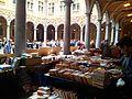 Marché du livre d'occasion dans la Vieille Bourse de Lille.jpg