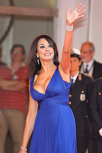 Maria Grazia Cucinotta - Cucinotta at the 66th Venice International Film Festival (Sep 2009)