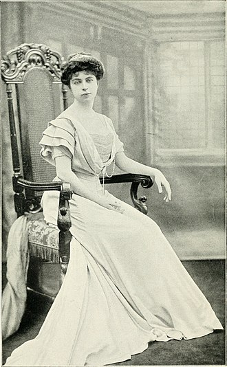 Lewis Harcourt, 1st Viscount Harcourt - Mary Ethel Harcourt, circa 1911