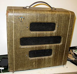 Guitar amplifier - A 1940s-era Valvo combo amp.