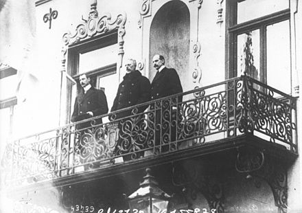 Malmo, 18 December 1914. All three Scandinavian Kings on the same balcony. Meeting of Scandinavian kings 2.jpeg