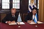 Memorándum de entendimiento Argentina-Uruguay en materia de cooperación antártica 01.jpg