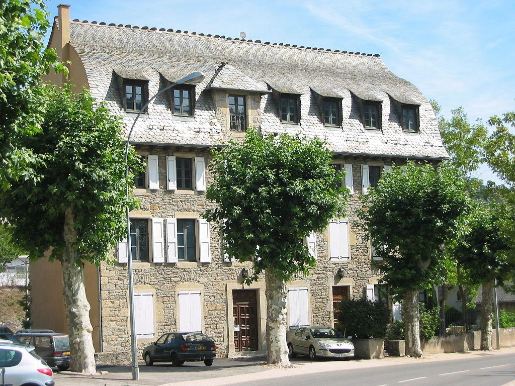 Philibert Delorme 1024px-Mende-maison-toit-en-carene