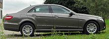 Mercedes E 350 CDI BlueEFFICIENCY Elegance (W212) side-1 20100822.jpg