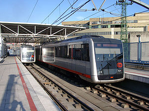 English: Two trains of Metro Bilbao at Bolueta...