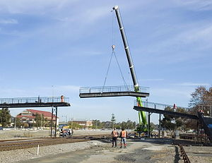 Midland Junction railway station - Removal of the old pedestrian footbridge in mid-2006