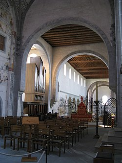 Mittelzell Münster Blick aus dem Chor.jpg