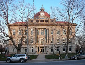 Monroe County Courthouse in Paris