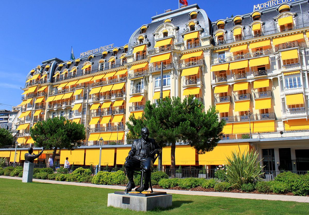 Fairmont le montreux palace wikipedia for Luxury hotel stays