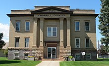 Morrill County, Nebraska courthouse from E 1.JPG