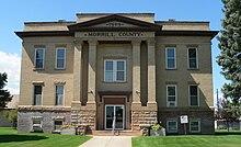 Morrill County, Nebraska courthouse from E 1.JPG