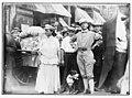 Mr. and Mrs. D.H. Woolf in N.Y.C. LCCN2014688995.jpg