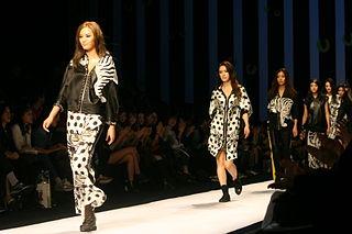 Seoul Fashion Week Spring  Kim Seoryong