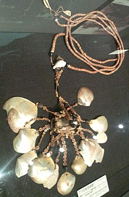 National Museum of Ethnology, Osaka - Shell necklace used for Kula exchange (soulava) - Trobriand islands in Papua New Guinea - Made in the latter half of 19th Century - George Brown Collection