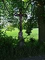 Neštětice, křížek u silnice k Roháči.jpg