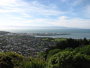 "November 2006 view of Nelson from the ""Centre of New Zealand"""
