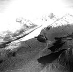 Nenana Glacier, valley glacier on the left, u-shaped valley from glacial remnant on the right, September 5, 1966 (GLACIERS 5210).jpg