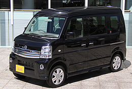 Nissan NV100 Clipper Rio G High roof.jpg