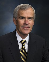 Official Photo of Senator Jeff Bingaman (D-NM) 2008.jpg