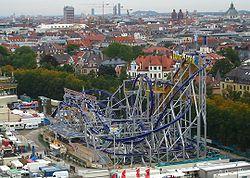 Auf dem Oktoberfest− vom Riesenrad