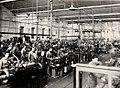 Operai al lavoro nel reparto di produzione dello stabilimento Ercole Marelli, 1948 - san dl SAN IMG-00002611.jpg