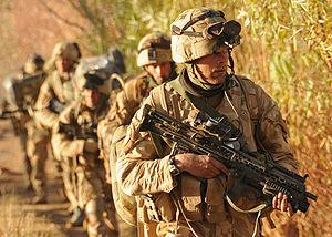 Britische Soldaten des 42 Commando der Royal Marines während der Operation Sond Chara