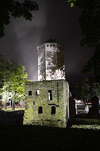Paide linnuse varemed öösel 01.JPG