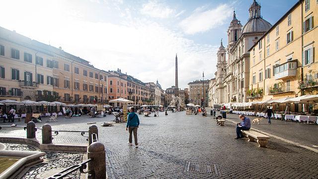 IMAGE(http://upload.wikimedia.org/wikipedia/commons/thumb/0/08/Piazza_Navona_Rome.jpg/640px-Piazza_Navona_Rome.jpg)