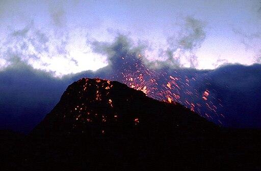 Piton de la Fournaise 1981 eruption2