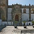 Portada meridional de la Iglesia de Santa María la Coronada (Medina Sidonia).jpg