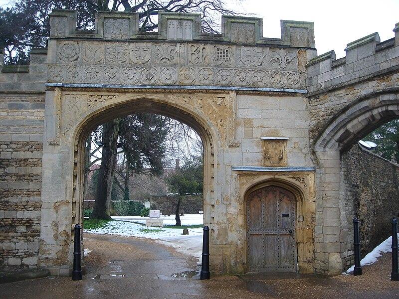 File:Prior's Gate Peterborough.JPG