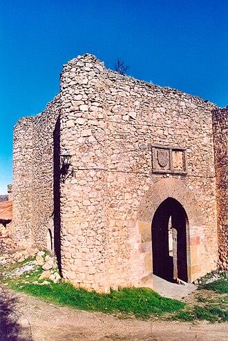 Mayor Guillén de Guzmán - Del Monte gate at the walls of the medieval city of Palazuelos