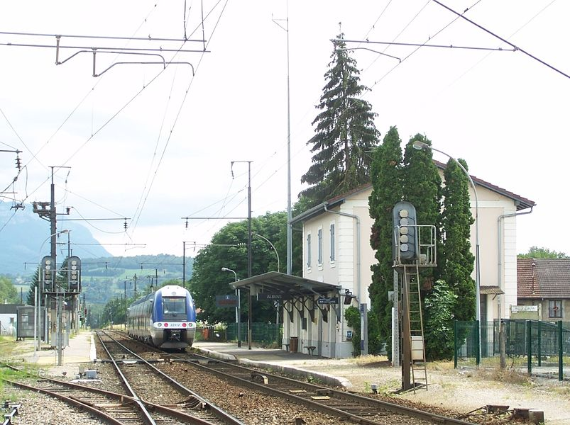 General sight of platforms, tracks and building of city of Albens railway station, in Savoie, France. On track A can be seen stopped a Bi-Bi (Class B 82500) to Chambéry.