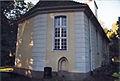 Rückwand der Dorfkirche Heiligensee.jpg