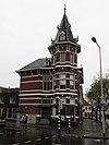foto van Dubbele woonhuis in Neorenaissance stijl met elementen van Chaletstijl