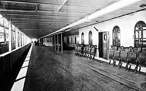 Promenade deck - Image: RMS Olympic promenade deck