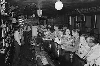 Raceland, Louisiana - Drinking at the bar, crab boil night, Raceland, September 1938