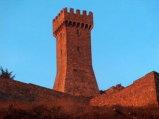 The castle at sunset - the tower | Mastio della Fortezza di Radicofani